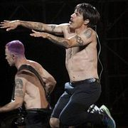 Red Hot Chili Peppers — Live in Hyde Park 2004 (067)